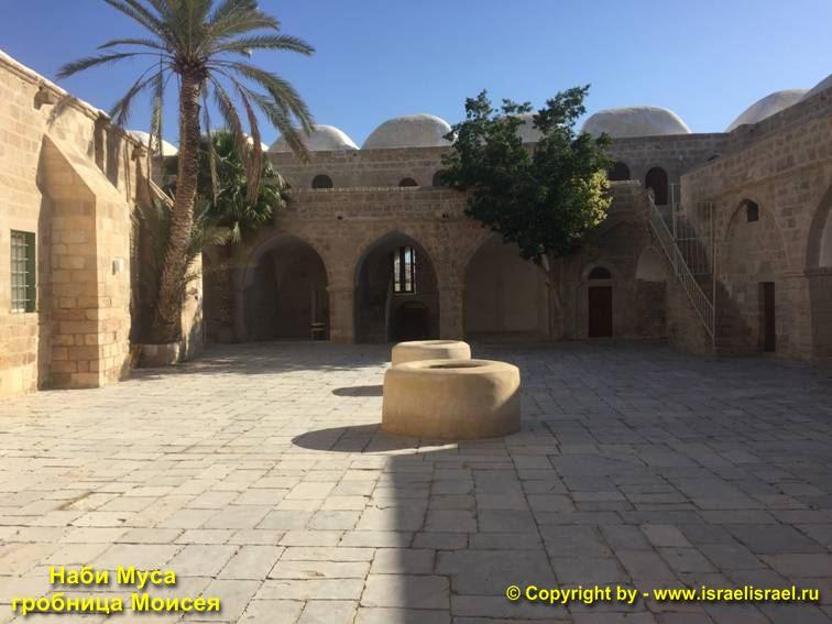 Мусульманская святыня Наби Муса