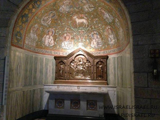 Католическая церковь успения Иерусалим