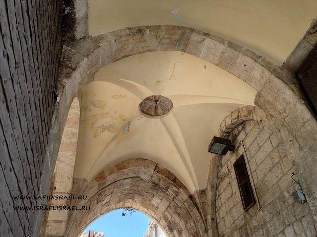 через Львиные ворота старого города Иерусалима