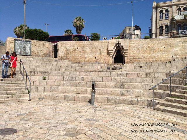 Площадь перед дамаскими ворота в Иерусалиме