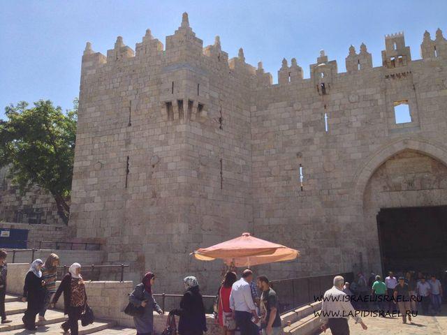 Самые большие Дамасские ворота Иерусалима