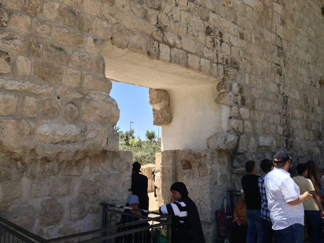 Мусорные ворота расширенные Иорданцами
