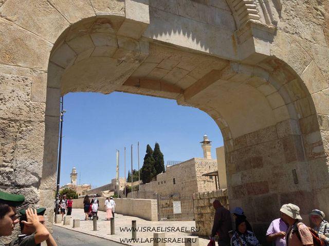 Мусорные ворота в Иерусалиме фото