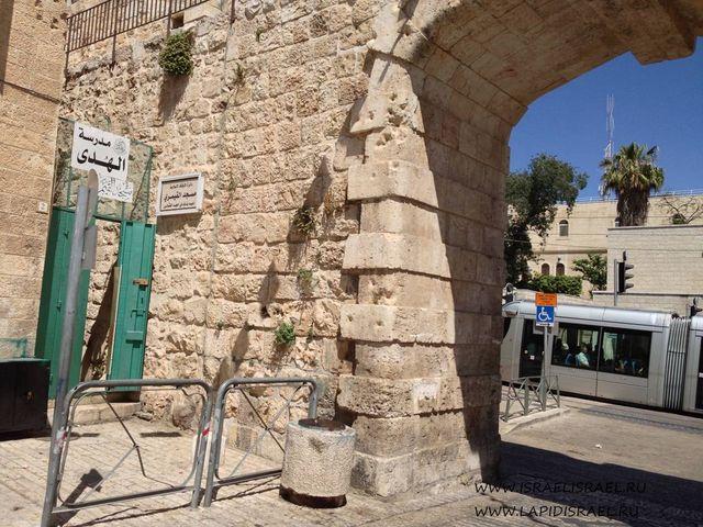 Почему назваои новые ворота Иерусалима старый город