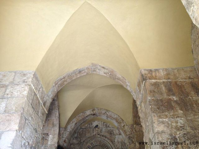 Пройти через Сионские ворота