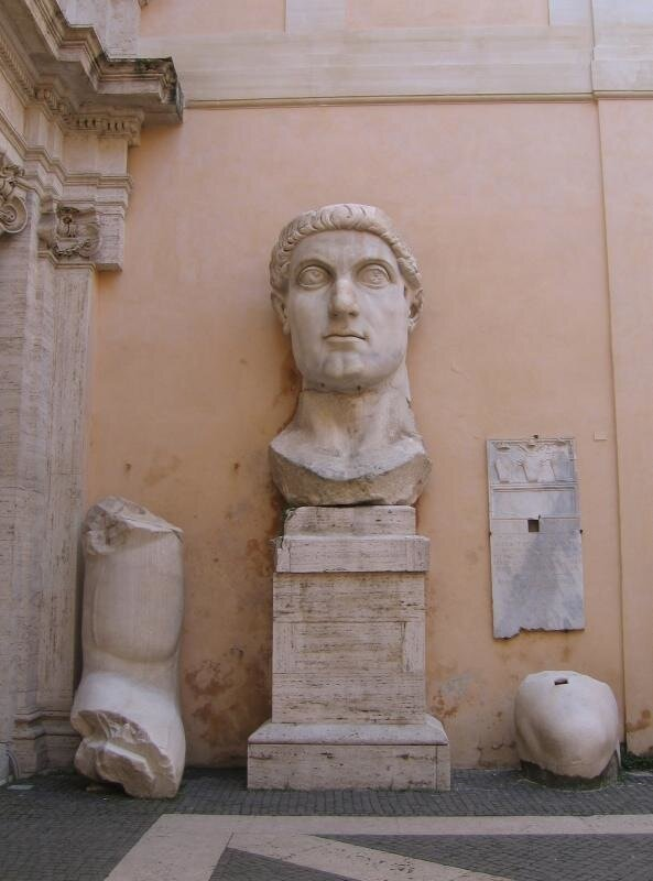 Первый храм царь Константин